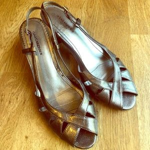 Isaac Mizrahi low heels 👠